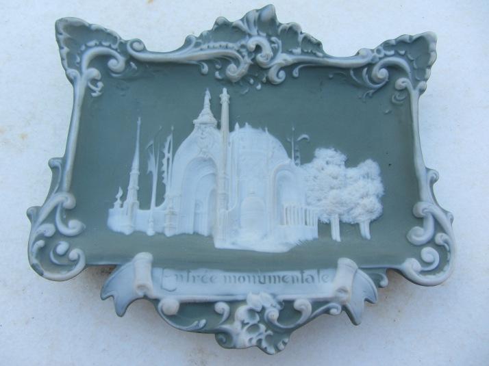 Recuerdo de la Exposición Universal de París, 1889. Entrada. Porcelana. colección particular.Foto: Bárbara.