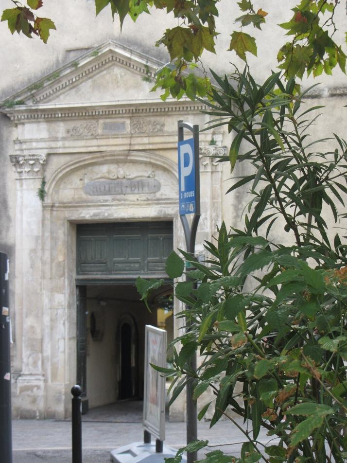 Entrada al antiguo Hospital. Foto: Bárbara