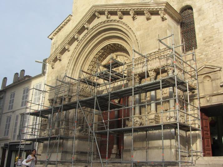 Saint Trophime con andamios. Foto: Bárbara
