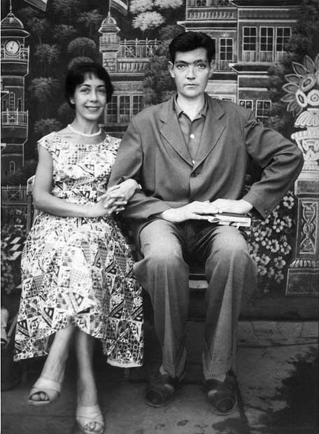Los Cortázar en un viaje a India en 1956