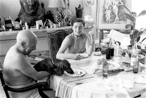 Picasso y su perro. Foto: D. Douglas Duncan.