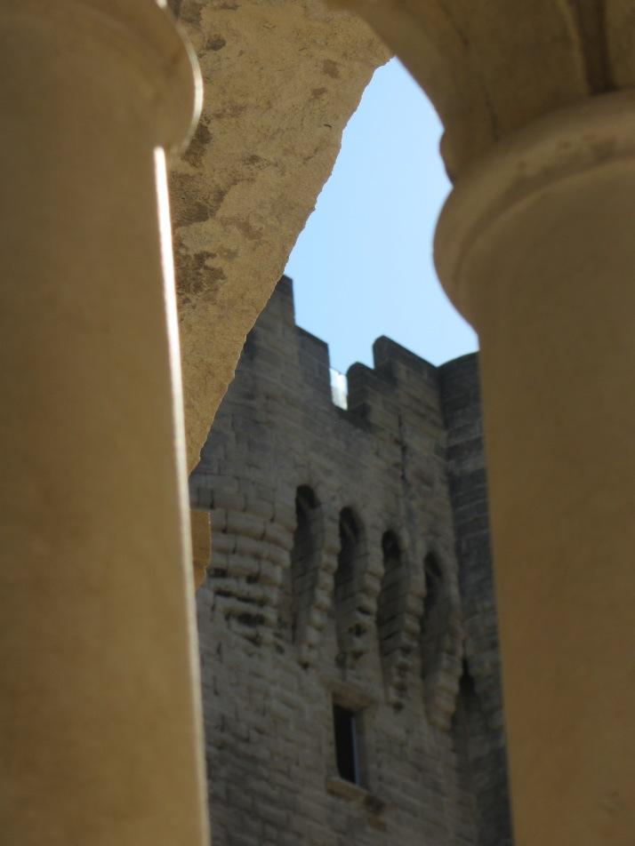 Torre vigía desde el claustro. foto: Bárbara