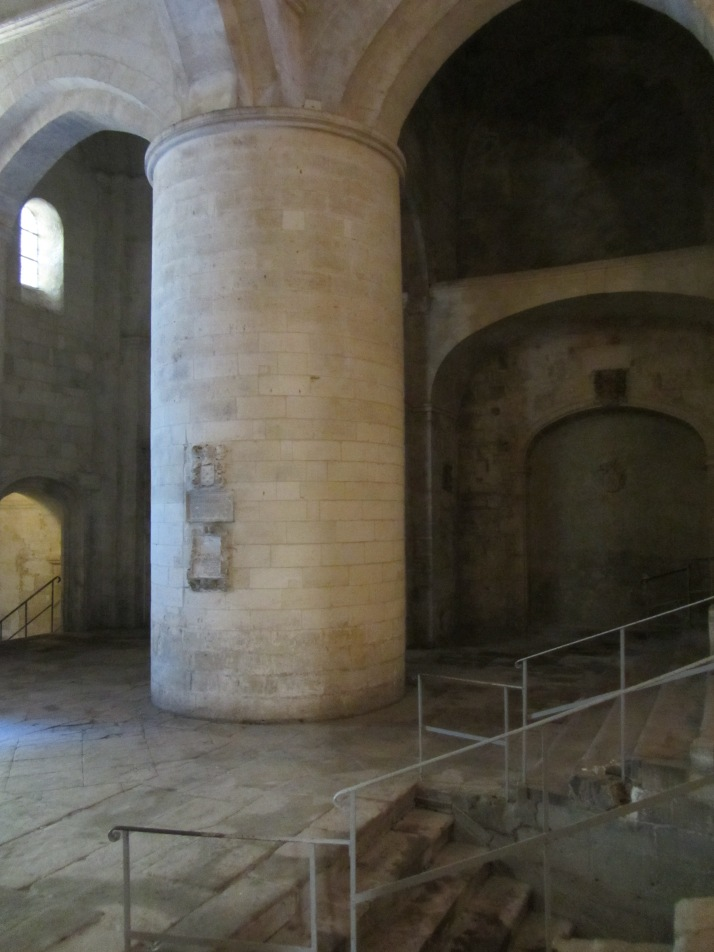 Interior de Saint-Honorat. Foto: Bárbara.