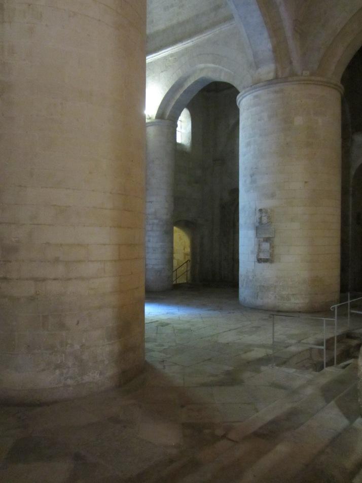 Interior de Saint-Honorat. Foto: Bárbara