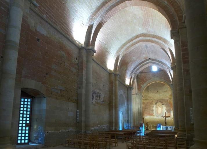 Nave desde el ábside central de la iglesia del Monasterio de Santa María de Sigena