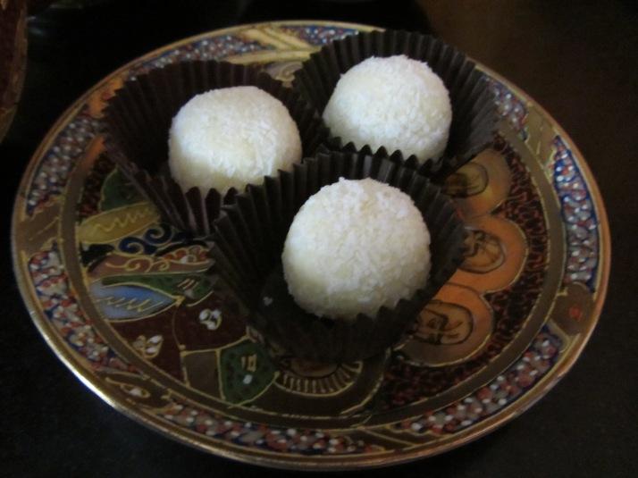 Trufas de coco. Foto: Bárbara