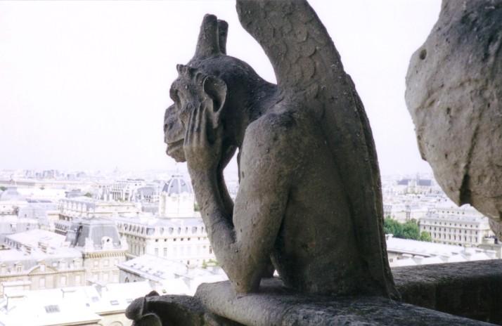 """Foto: Bárbara. """"La Estirga"""". Notre Dame, París."""