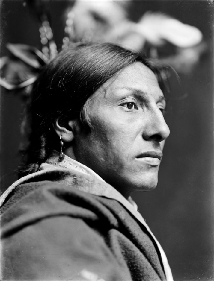 "Gertrude Kasebier: "" Amos two Bulls. Dakota Sioux, 1900"