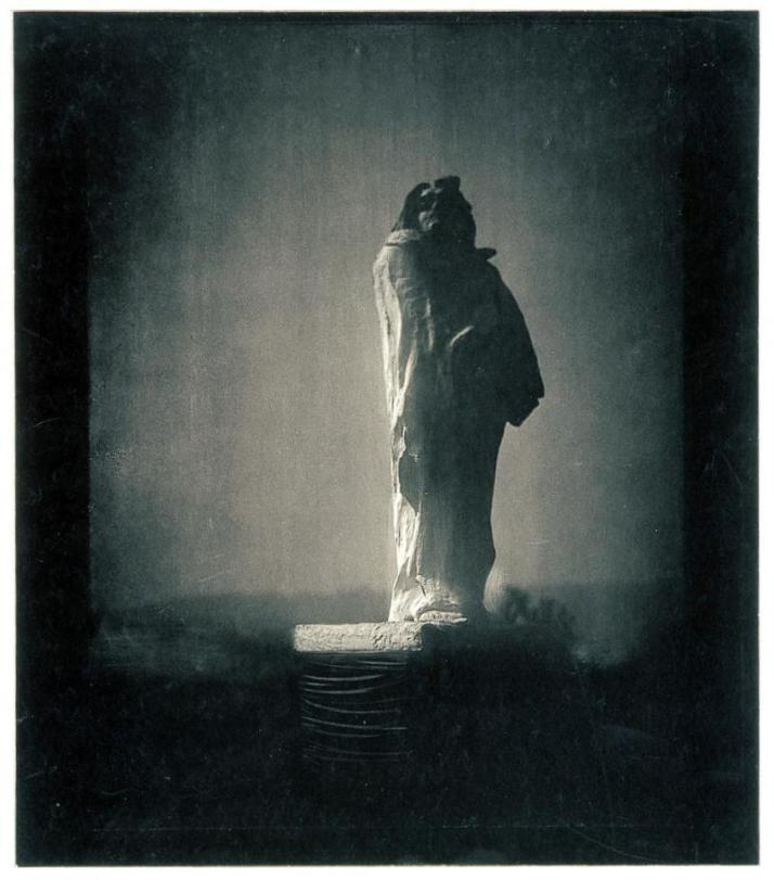 """Steichen: """"El cielo abierto, 11 p.m."""". revelado al carbón.1908"""