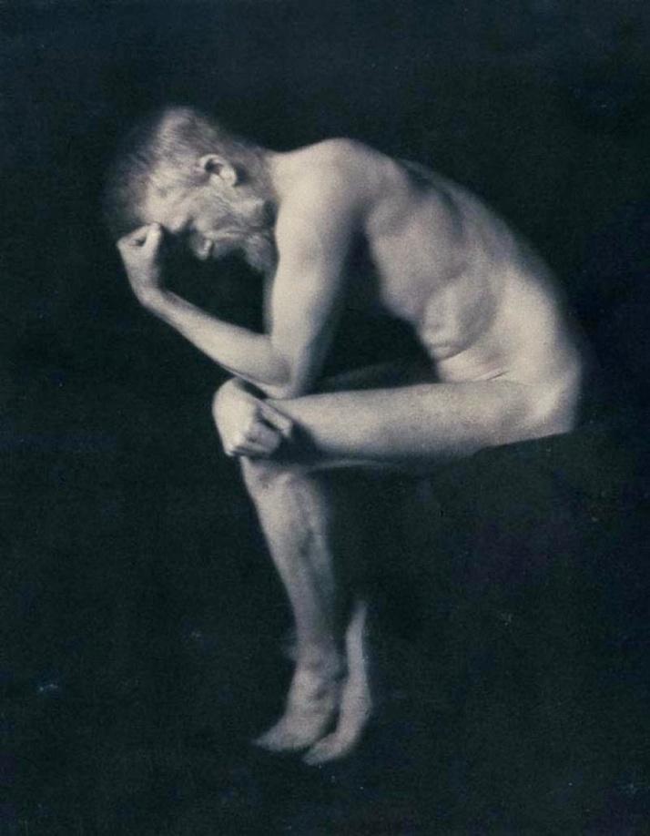 "Alvin Langdon Coburn : ""El Pensador"" (G. B. Shaw  posando desnudo)"