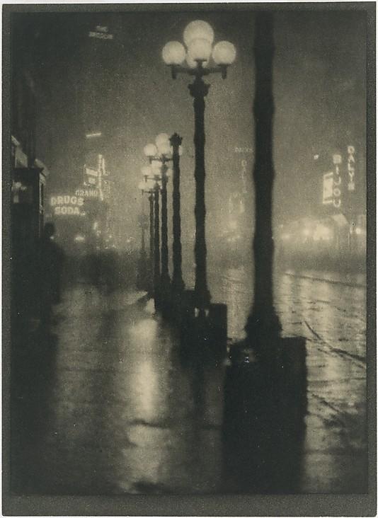 "Alvin Langdon Coburn: ""Broadway de noche"", 1910."