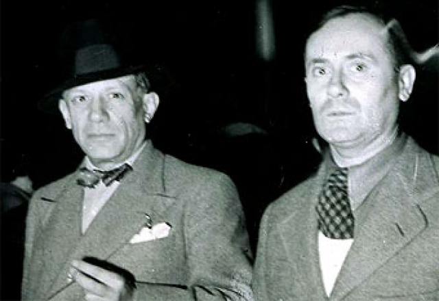 Picasso y Joan Miró el día de la inauguración del Pabellón español, el 12 de julio de 1937